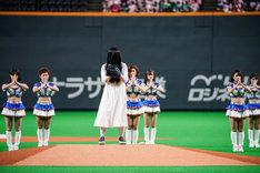 北海道日本ハムファイターズ対埼玉西武ライオンズ戦の始球式に登場した貞子。