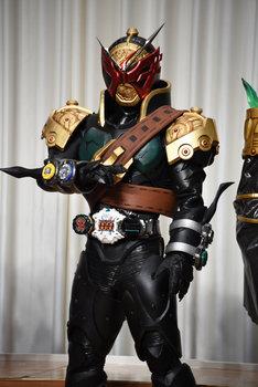 ISSA演じるキャラクターが変身する仮面ライダーバールクス。