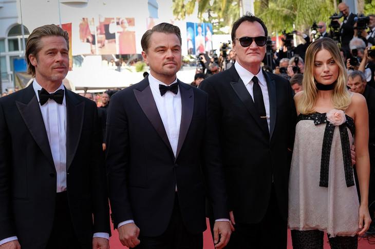 第72回カンヌ国際映画祭で行われた「ワンス・アポン・ア・タイム・イン・ハリウッド」レッドカーペットイベントの様子。左からブラッド・ピット、レオナルド・ディカプリオ、クエンティン・タランティーノ、マーゴット・ロビー。
