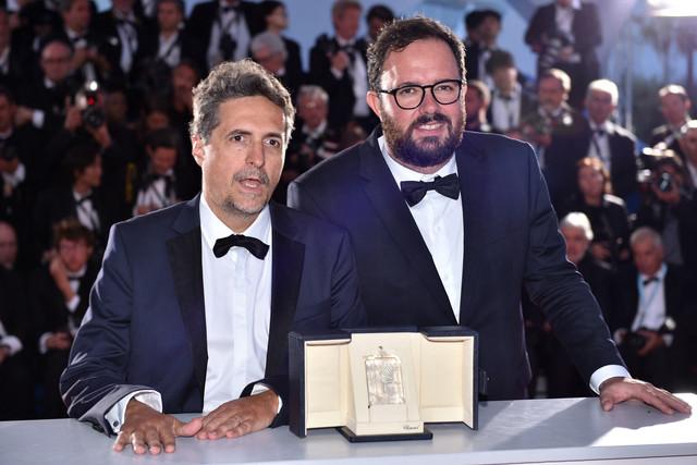 左からクレベール・メンドンサ・フィリオ、ジュリアーノ・ドルネレス。(写真提供:Hahn Lionel / ABACA / Newscom / ゼータ イメージ)