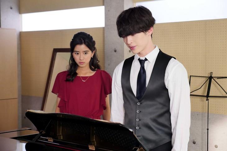 「さかさま少女のためのピアノソナタ」