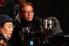 「カツベン!」撮影現場での周防正行。