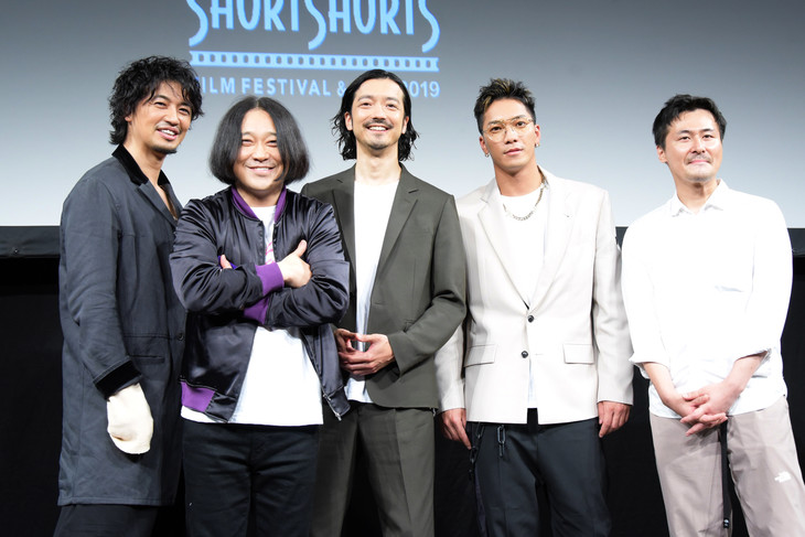 左から斎藤工、永野、金子ノブアキ、SWAY、清水康彦。