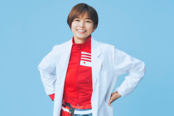 「監察医 朝顔」より、山口智子演じる夏目茶子。