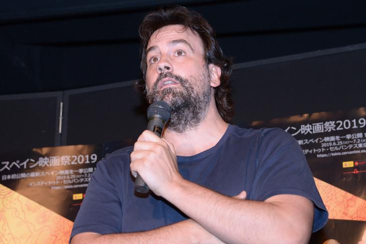 「スペイン映画祭2019」オープニングイベントに登壇したイサキ・ラクエスタ。