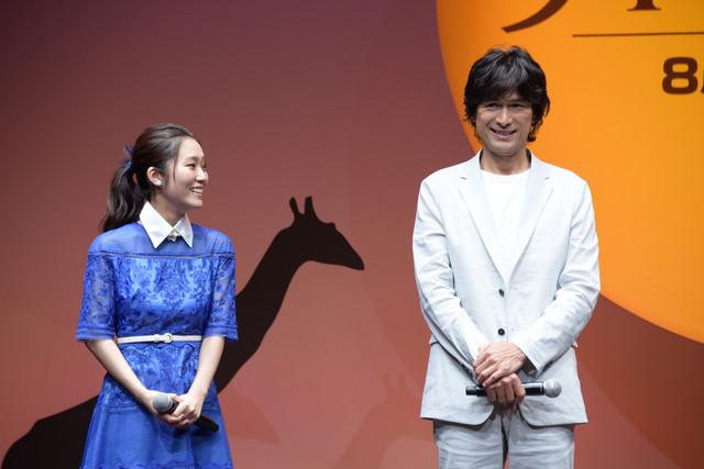 「ライオン・キング」プレミアム吹替版声優発表イベントの様子。左からナラ役の門山葉子、スカー役の江口洋介。