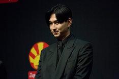 パリプレミアに登壇した松田翔太。