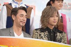 左からクリス・ペプラー、斉藤秀翼。