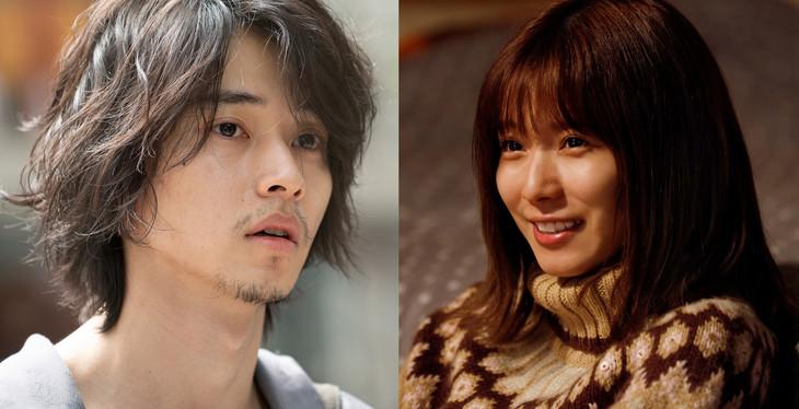 「劇場」より、左から山崎賢人演じる永田、松岡茉優演じる沙希。