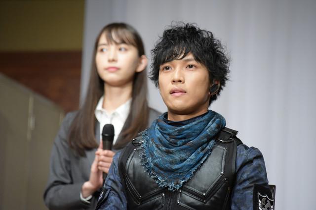 岡田龍太郎(手前)