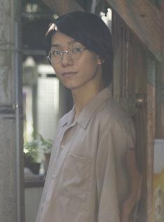 北川尚弥演じる青年時代の小宮久作。