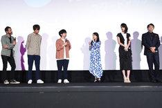 映画「スタートアップ・ガールズ」完成披露上映会の様子。