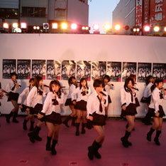 ちなみに現在AKB48には36人が在籍。最終的には48人を目指してるんだとか