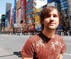 Scott Murphyがベーシストとして活躍するバンドThe Get Goの新作「Hello Again」は5月7日リリース。
