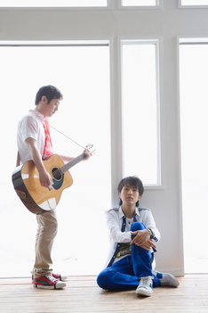 ちなみに北川悠仁は10月より放送されるフジテレビ系連続ドラマ「イノセント・ラヴ(仮)」に出演。こちらのドラマもゆずっこにとって見逃せないものになりそうだ。