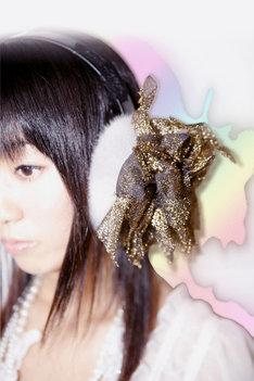 「JAPANESE生まれ CHAOS育ち」とキャッチコピーも秀逸なSaori@destinyの1stアルバム「JAPANESE CHAOS」。テクノポップ界の異端児として独自の道を歩む彼女の活躍に期待しよう。