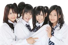 写真は左から平嶋夏海、多田愛佳、渡辺麻友、仲川遥香。4人は2月27日から3月1日にかけて神奈川県立青少年センターホールで行われる劇団扉座の公演「ドリル魂・横浜現場編」にも出演する。