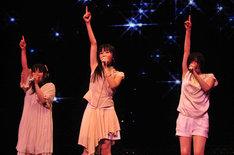 大成功に終わったPerfumeの武道館公演「BUDOUKaaaaaaaaaaN!!!!!」。このライブの映像はBShiにて12月19日(金)20:00から、そしてBS2にて12月27日(土)23:00からオンエアされる(写真はPerfume「BUDOUKaaaaaaaaaaN!!!!!」の模様)。
