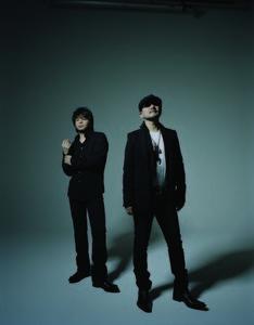 2月4日にはデビュー30周年を記念したベストアルバム「CHAGE and ASKA VERY BEST NOTHING BUT C&A」をリリースする。