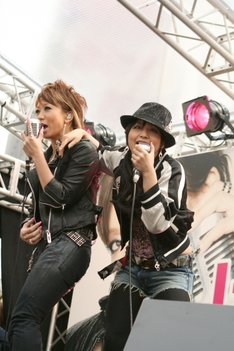 曲の歌詞はmisonoが失恋して來未の家に行ったときに、実際に姉から言われた言葉を織り込み、リアリティあふれるものになっているとのこと。