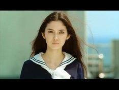 見事由花子役に選ばれた沙耶。端正でエキゾチックな顔立ちは、確かに由花子を連想させる。