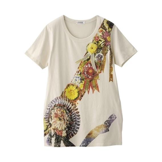PUFFYが「東京ガールズコレクション'08 A/W」に出演した際に着用した、青木むすびデザインの「花飾り」をモチーフにした作品「マイストーリー」。