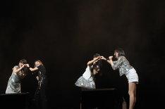 この日のライブには木村カエラ∞Perfumeのほか、東京スカパラダイスオーケストラ、ザ・クロマニヨンズ、FLYING KIDSなど合計12組が出演した。ナタリーでは他のアーティストのステージについても後日レポートを掲載予定。