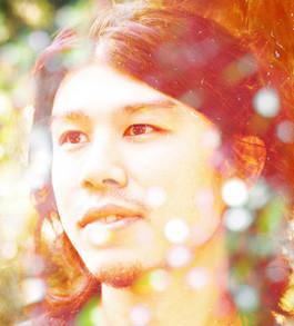 コジロウはbonobos在籍時には「THANK YOU FOR THE MUSIC」「Standing There~いま、そこに行くよ~」など、数々の名曲を制作。今後の活躍にも期待がかかる。