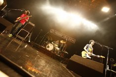 武道館ライブを終えたばかりのくるりは、ツアーさながらの熱いステージを展開。