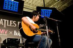 「ブラックバード」を披露した曽我部恵一は、「中学の頃から練習してるけど、いまだにちゃんと弾けない」と苦笑い。