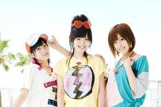嗣永桃子(写真左)に続き、夏焼雅(右)までもがインフル感染。本日の「MELON GREETING」には鈴木愛理(中央)ひとりでBuono!として参加することに。