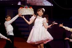堀江由衣は9月に日本武道館2DAYSを敢行。ドリーミーなステージを展開した。