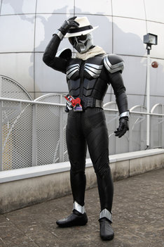 「仮面ライダーW」は12月に映画化も決定しており、吉川晃司が仮面ライダースカル(写真)を演じることが発表されたばかり。