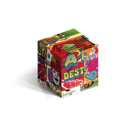 ベストアルバム「いままでのA面、B面ですと!?」Super DEST!? BOXは、カラフルな立方体仕様。