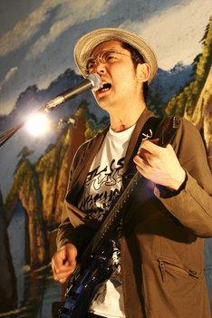6月10日のイベントに出演する向井秀徳。