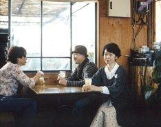 先行シングル「旅せよ若人 feat. 岡野昭仁 from ポルノグラフィティ」は、小川糸の小説が原作となった柴咲コウ主演映画「食堂かたつむり」の主題歌に起用されている。