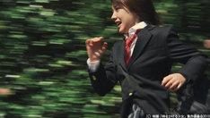 映画「時をかける少女」は筒井康隆による名作短編小説をもとに制作されたオリジナルストーリーの実写作品。細田守が監督したアニメ版「時をかける少女」で主人公の声を演じた仲里依紗(写真)が主演する。
