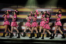 写真は1月2日の中野サンプラザ「Hello! Project 2010 WINTER 歌超風月 ~モベキマス!~」ステージの様子。