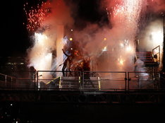 独立記念日以外で花火の使用が許可されるのは、アメリカ市街地では極めて異例なこと。