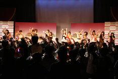 2回に分けて行われたミニライブで、アイドリング!!!は「機種変エクスタシィ」「ガンバレ乙女(笑)」「『職業:アイドル。』」などを披露。