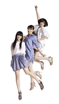 Perfume(写真)ほか、過去に番組に出演したアーティストが多数集結。