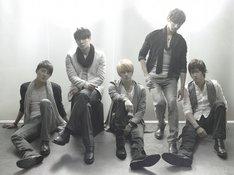 今後の活動予定として、まずジュンスが「XIAH junsu」名義で両A面のソロシングル(タイトル未定)を5月26日にリリースすることが決定している。