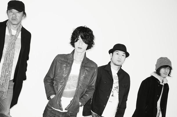 長田進(写真左)とGRAPEVINE。アルバムリリース直前のライブはファン必見だ。
