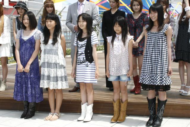 「Jc&Jkオーディション」に合格した5人。写真左から加藤優実(かとうゆうみ)、鞘師里保(さやしりほ)、土方穂乃花(ひじかたほのか)、南寧々(みなみねね)、山田夏子(やまだなつこ)。