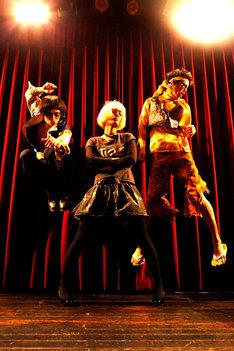 N'夙川ボーイズ。左からマーヤ、リンダ、シンノスケ。