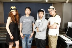 「Last Vacation feat RYO-Z.PES (from RIP SLYME) & JUJU」参加アーティスト。左からJUJU、DJ HASEBE、PES、RYO-Z。