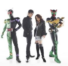 写真は左から仮面ライダーW、吉川晃司、大黒摩季、仮面ライダーオーズ。
