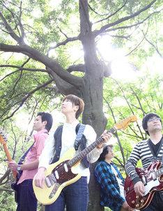 ピロカルピンは11月16日、下北沢CLUB Queでレコ発イベントを開催。ほたる日和、カフカと競演する。