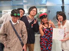放送終了後に無理矢理撮らせてもらった記念写真。左からの子、mono、ちばぎん、浜田ブリトニー、みさこ。