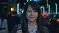柴咲コウはインテリアコーディネーターへの転身を夢見るOLを演じる。